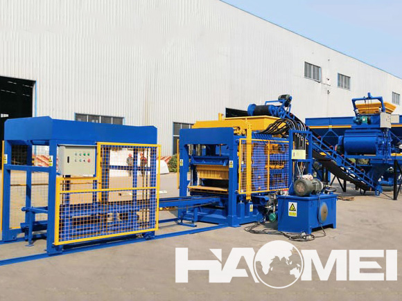 interlocking blocks machine